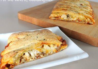 Turkey Italian Sausage and Mushroom Pizza Braid