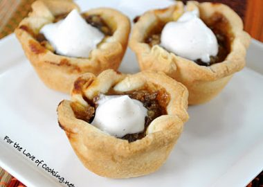 Mini Pumpkin Tartlets with Homemade Cinnamon Whipped Cream