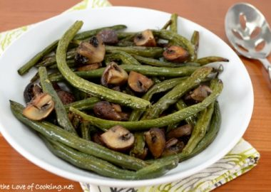 Roasted Green Beans and Mushrooms with Garlic