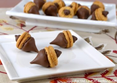 """Acorn"" Chocolate Peanut Butter Treats"