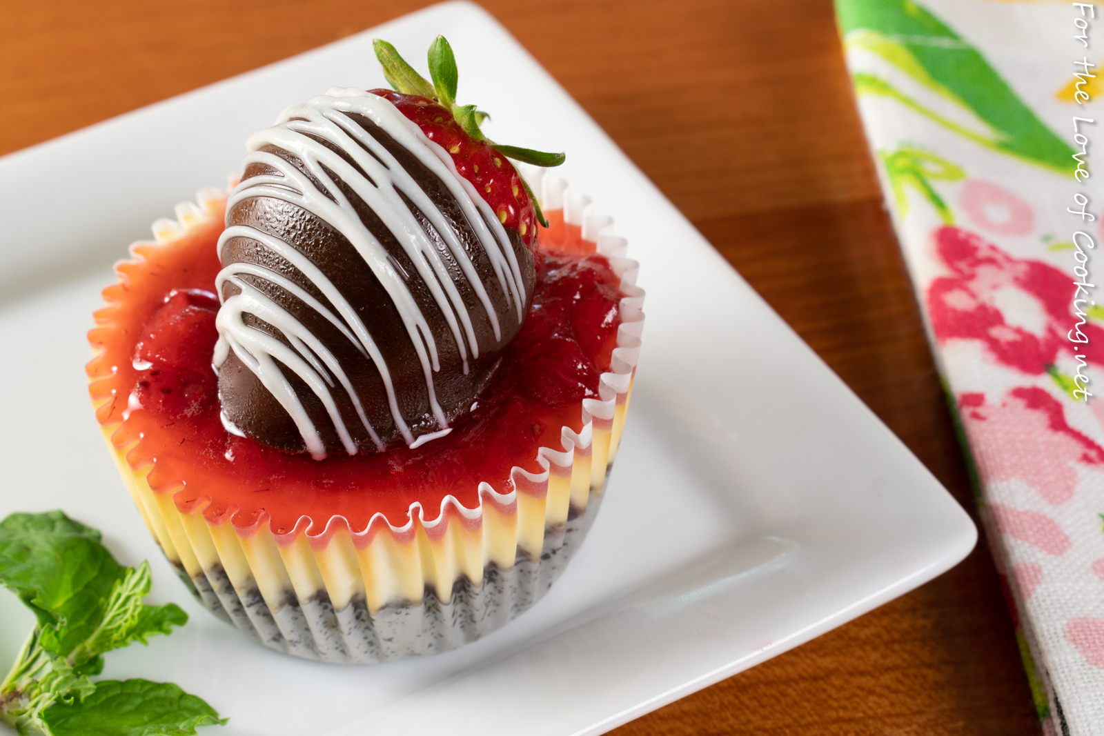 Mini Strawberry Cheesecake with Chocolate Covered Strawberries