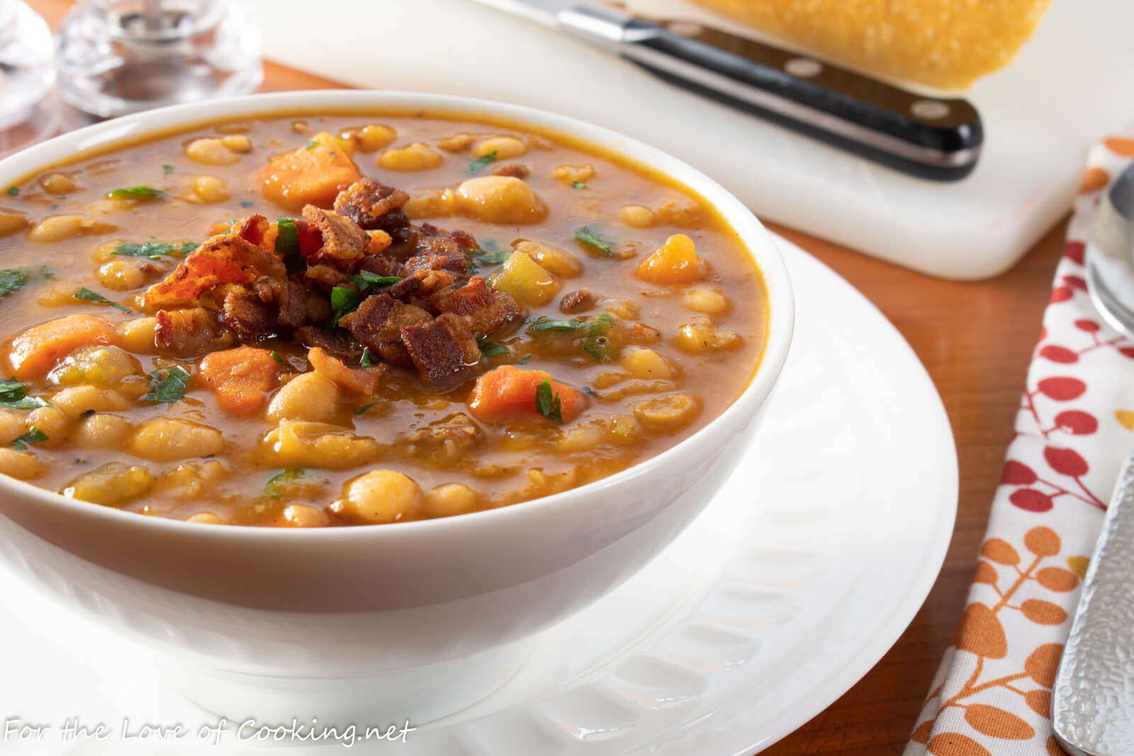 Slow Simmered Bean with Bacon Soup