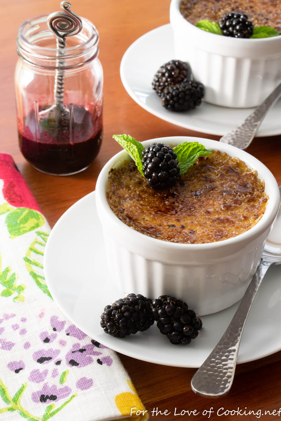 Crème Brûlée with Blackberry Coulis