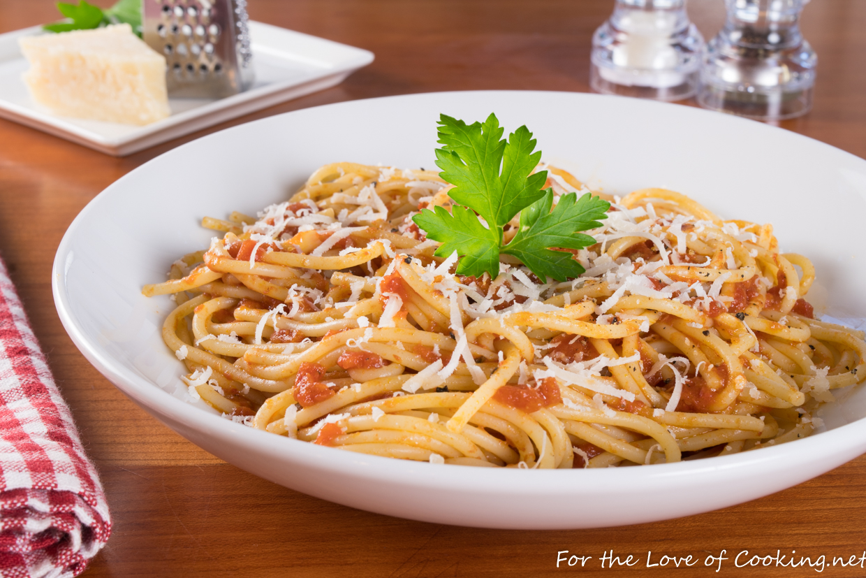 Spaghetti with Butter-Roasted Tomato Sauce