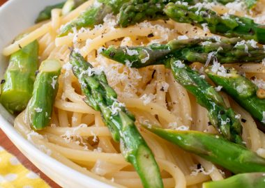 Lemon Spaghetti with Garlic Butter Asparagus
