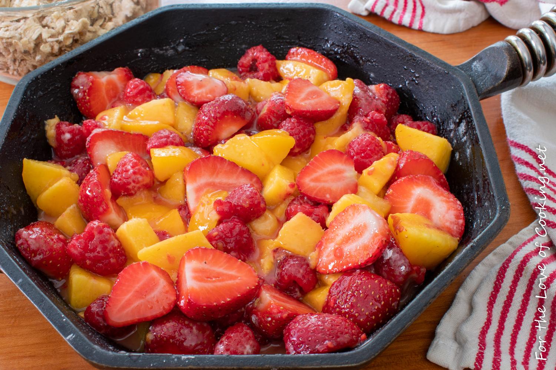 Strawberry-Nectarine Crisp