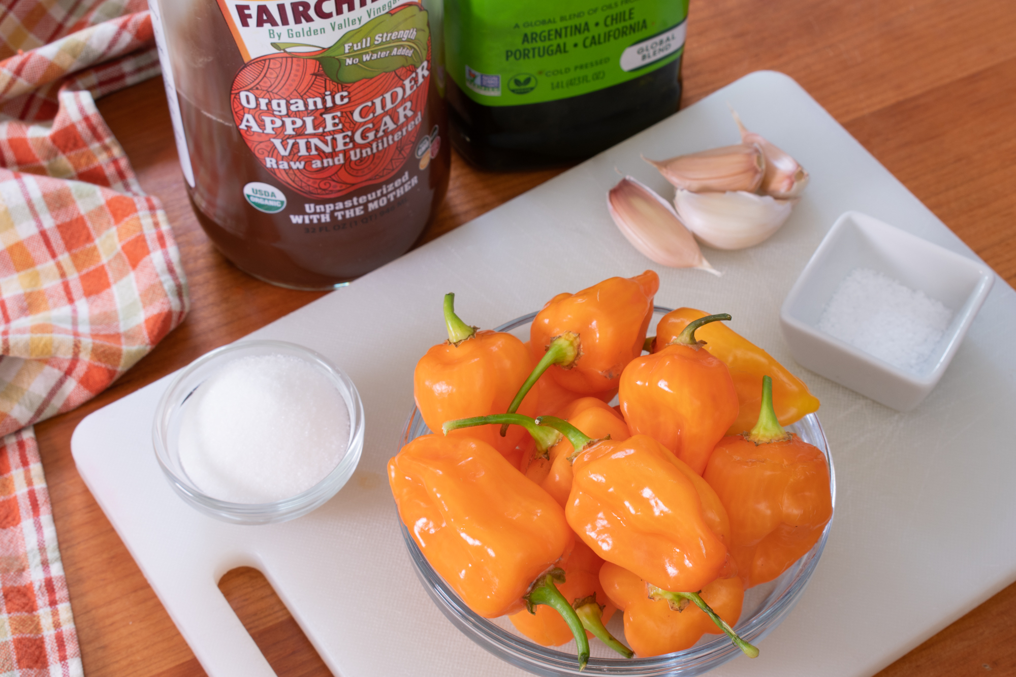 Simple Habanero Hot Sauce
