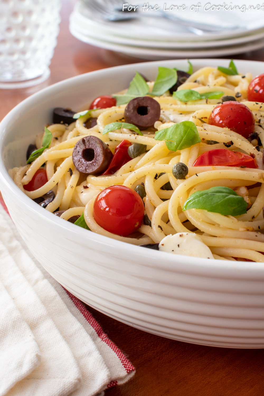 Spaghetti with Cherry Tomatoes, Olives, and Capers